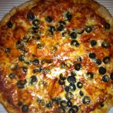 black_olive_pizza